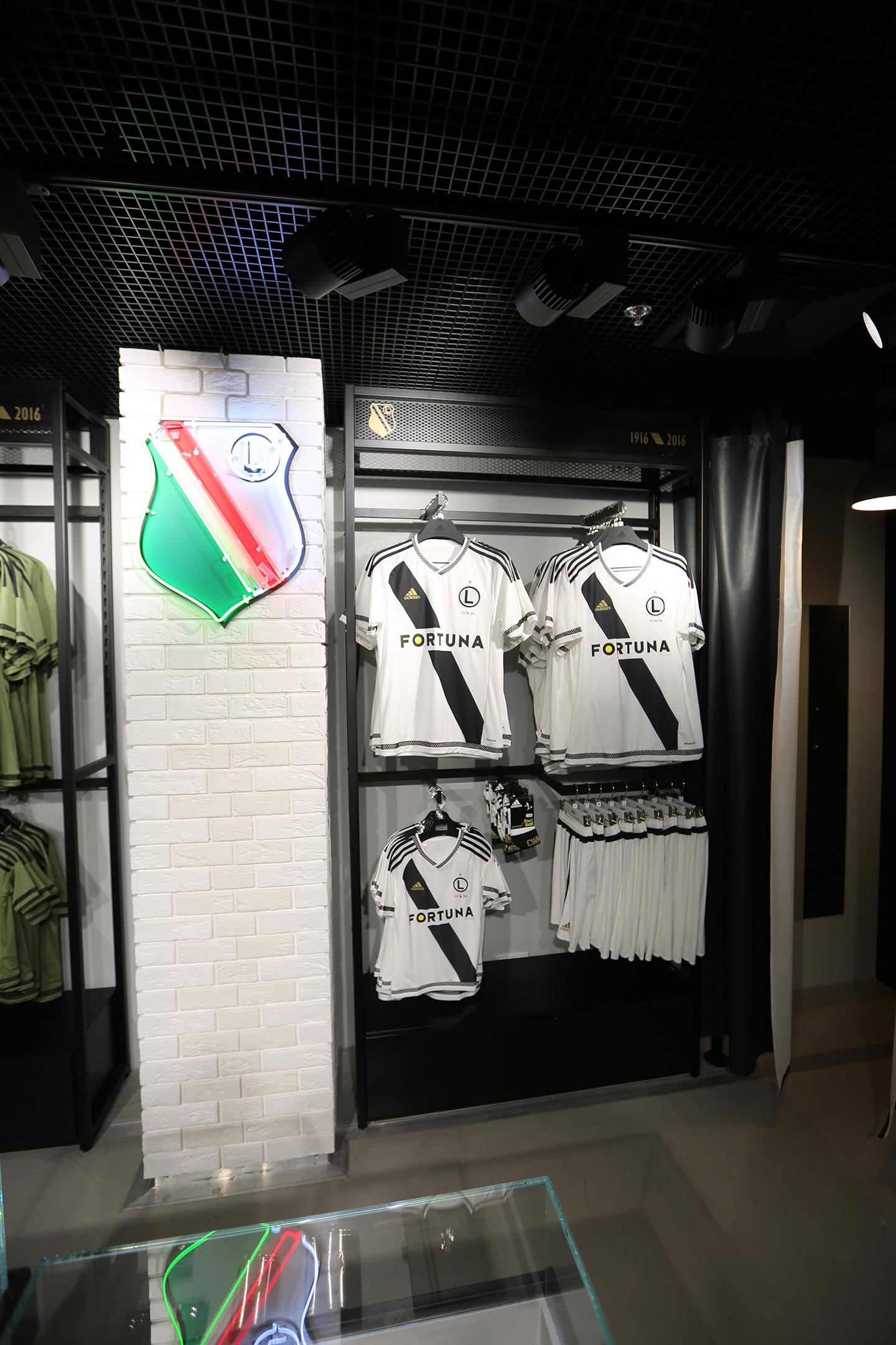 <strong>Sklep Legia Warszawa<span><b>Zobacz pełny rozmiar</b></span></strong><i>→</i>